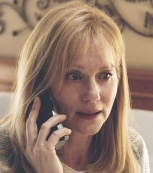 Laura Linney plays Sullenberger's wife.